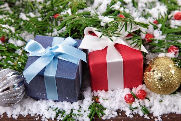 Prezenty z choinki i śniegu
