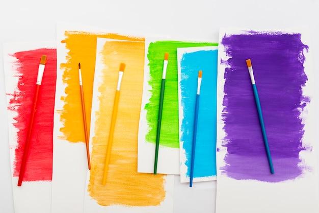 Pride day concept warstwy kolorowej farby