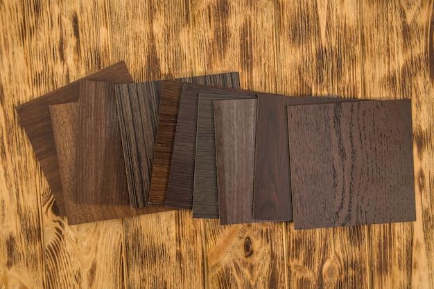 Próbka płyt wiórowych laminowanych drewnem