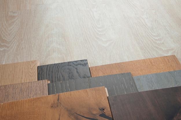 Próbka płyt z drewna laminowanego