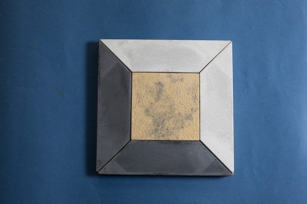 Próbka szlifowanego, kamiennego kamienia ściennego
