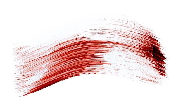 Próbkę plam z czerwonej szminki matowej na białym tle