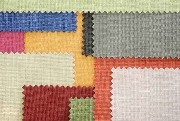 Próbki tekstur tkanin o wielu kolorach
