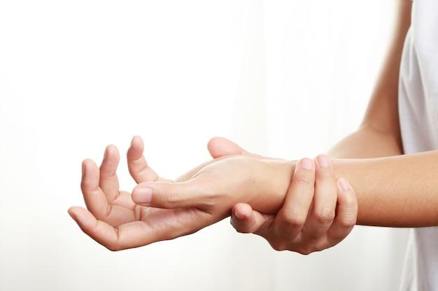 Problemy zdrowotne, ból nadgarstka u kobiet