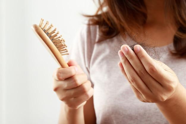 Problemy zdrowotne, wypadanie włosów kobiet