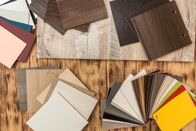 Próbnik nawierzchni parkietowych, katalog desek dębowych lub laminatów. materiał z twardego drewna, drewniany próbnik do projektowania mebli