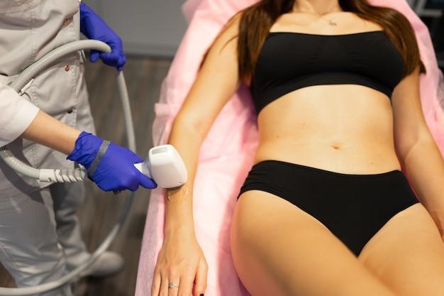 Procedura depilacji laserowej