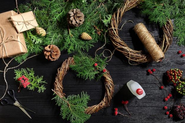 Producent dekoracji świątecznych własnymi rękami wieniec świąteczny na święta nowy rok c...