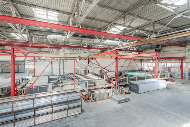 Produkcja profili aluminiowych magazyn i miejsce sortowania profili aluminiowych
