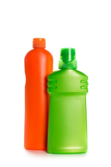 Produkt czyszczący plastikowy pojemnik na dom czysty na białym tle