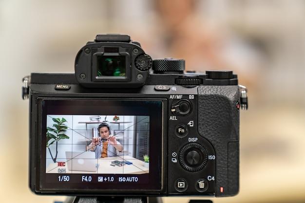 Produkt informacyjny na żywo vlogger