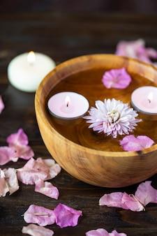 Produkty do aromaterapii, masażu. motyw relaksacyjny i spa