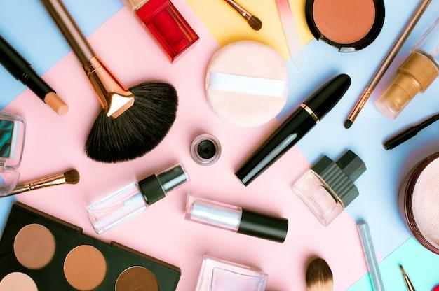 Produkty do makijażu i kosmetyki