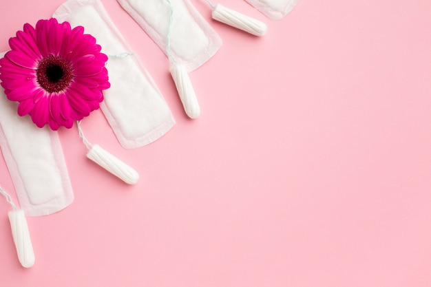 Produkty do pielęgnacji kobiecej z miejsca na kopię