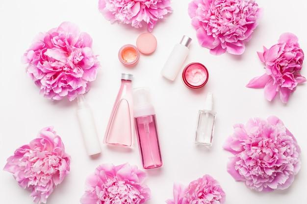 Produkty do pielęgnacji skóry do kąpieli i spa, płaskie kwiaty piwonii