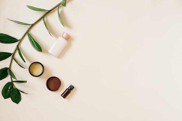 Produkty do pielęgnacji skóry, kosmetyki naturalne. butelki kosmetyczne do pielęgnacji skóry