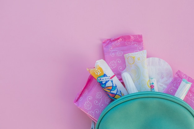 Produkty higieniczne w zestawie toaletowym