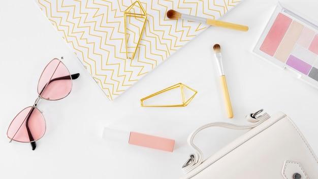Produkty kosmetyczne i torba