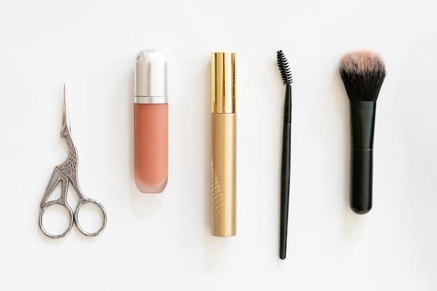 Produkty kosmetyczne w płaskiej oprawie
