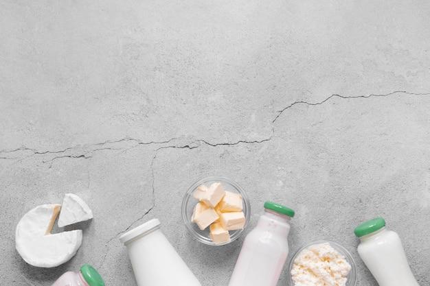 Produkty mleczne z góry z miejscem na kopię