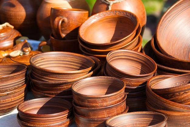 Produkty wykonane z gliny. miski gliniane