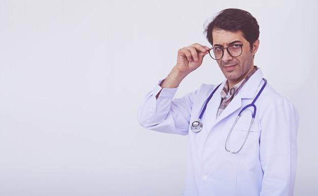 Profesjonalna pozycja lekarza mężczyzna