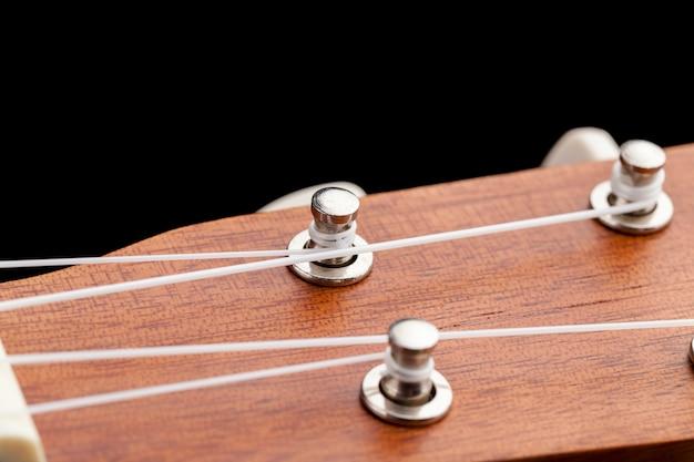 Profesjonalne mahoniowe części gitarowe, wykonane z mahoniowej małej gitary do grania muzyki
