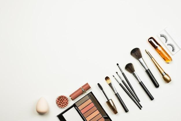 Profesjonalne pędzle i narzędzia do makijażu