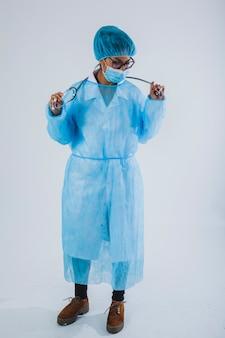 Profesjonalny chirurg pracy