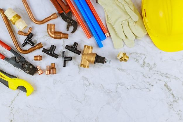 Profesjonalny zestaw narzędzi hydraulicznych rzemieślniczych do cięcia rur polipropylenowych, plastikowych narożników, klucza, rękawic roboczych