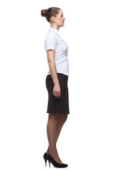 Profil młoda kobieta w pełnym przyroscie na bielu