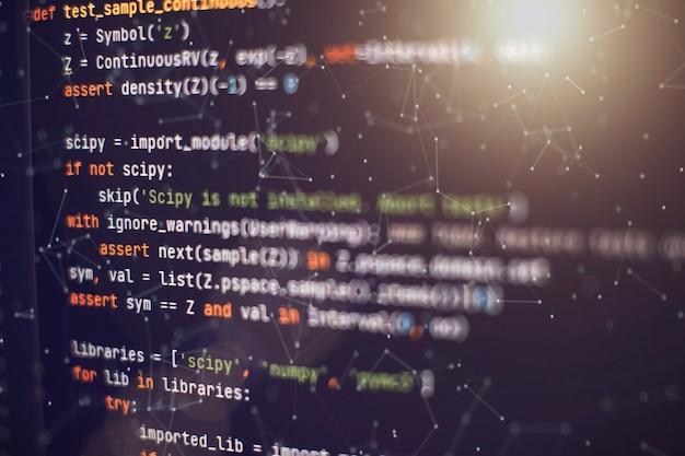 Programista aplikacji mobilnych. innowacyjny projekt startupowy. kod programowania strony internetowej. biznes it.