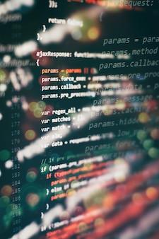 Programowanie komputerowe często skracane do programowania to proces oryginalnego formułowania problemu obliczeniowego do wykonywalnych programów komputerowych, takich jak analiza, opracowywanie, algorytmy i weryfikacja