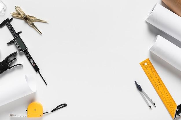 Projekt architektoniczny o różnym składzie narzędzi z przestrzenią kopii