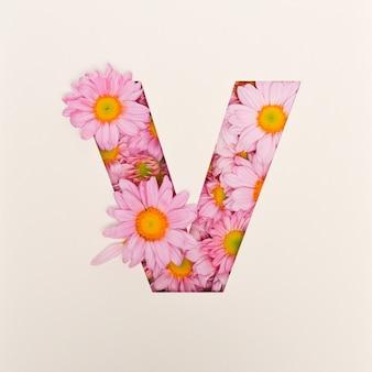 Projekt czcionki, abstrakcyjna czcionka alfabetu z różowym kwiatkiem, realistyczna typografia kwiatowa - v