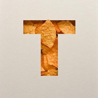Projekt czcionki, abstrakcyjna czcionka alfabetu z trójkątnymi chipsami kukurydzianymi, realistyczna typografia liści - t