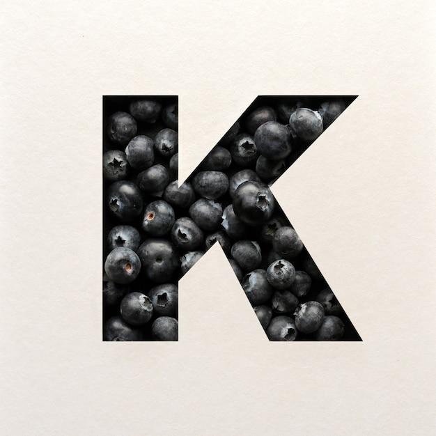 Projekt czcionki, czcionka abstrakcyjna alfabetu z jagodami, realistyczna typografia owoców - k.