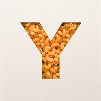 Projekt czcionki, czcionka abstrakcyjna alfabetu z makaronem łokciowym, realistyczna typografia żywności - y