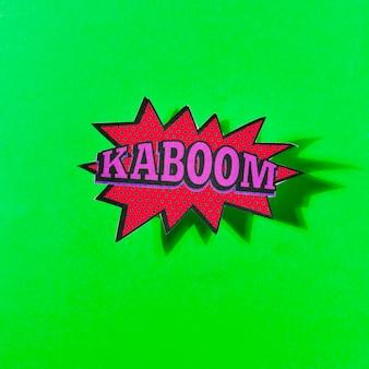 Projekt efektu dźwiękowego bum na komiks zielone tło