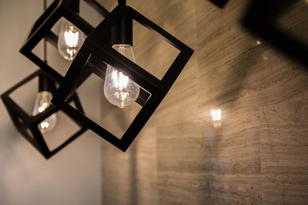 Projekt lampy vintage żarówki
