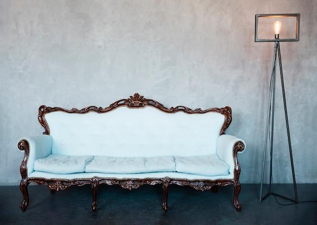 Projekt salonu z luksusową sofą