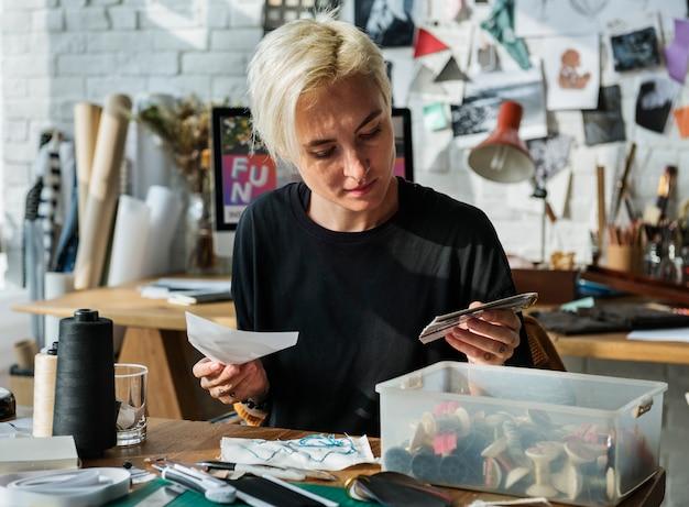Projektant mody stylowy salon wystawowy