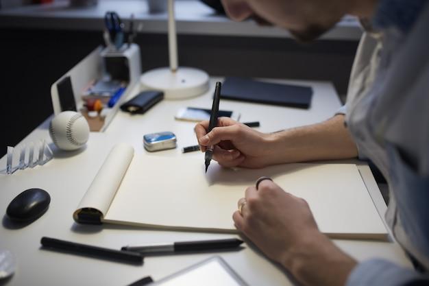 Projektant rysunku projektowego.