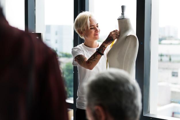 Projektowanie mody manekin pomiaru koncepcji