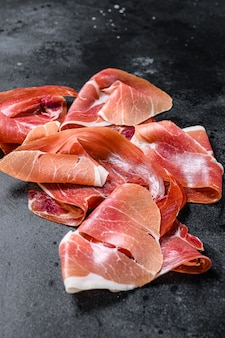 Prosciutto crudo, włoskie salami, szynka parmeńska.