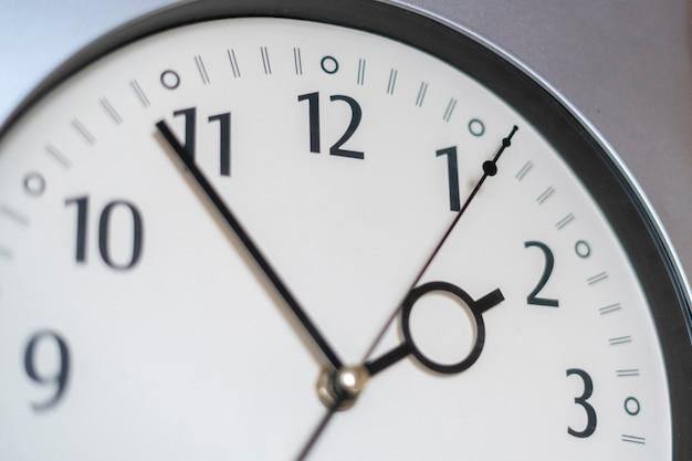 Proste zegarowe godziny z bliska, okrąg odliczania minut
