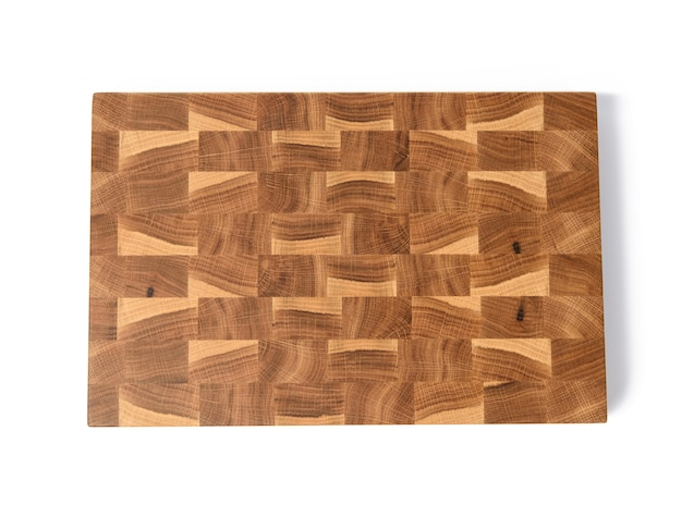 Prostokątna pusta drewniana brązowa deska do krojenia na białym tle na białym tle, widok z góry