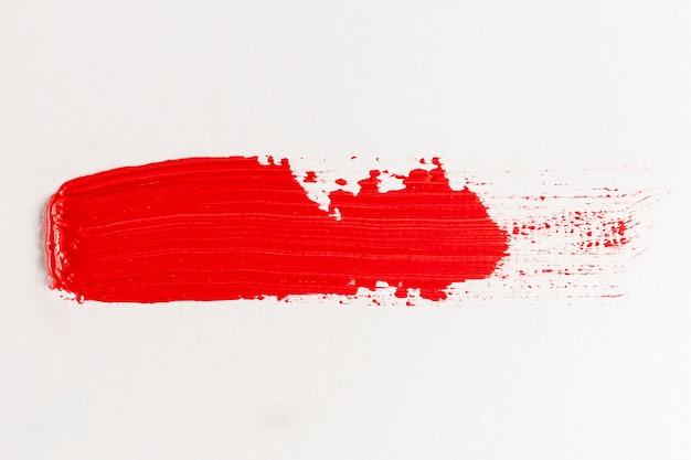 Prosty ślad rozmazanej czerwonej farby