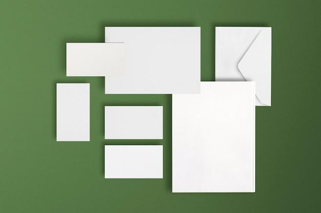 Prosty zestaw papeterii do identyfikacji wizualnej firmy