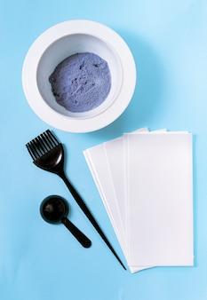 Proszek do koloryzacji włosów, miarka, pędzel, folia z pasm